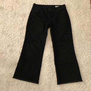 Black Zara mid-rise, cropped jeans